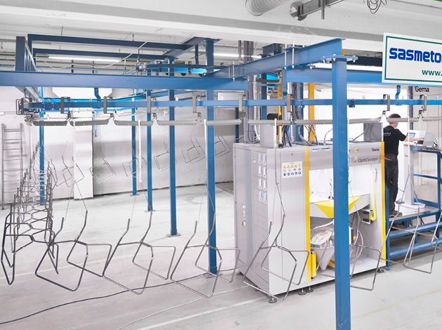Single-conveyor systems for painting plant use